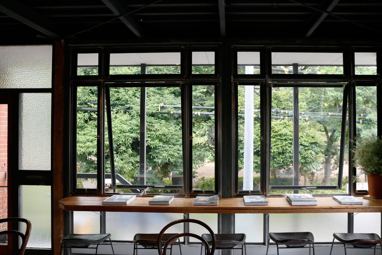 窓も広いので自然光が沢山差し込みます。