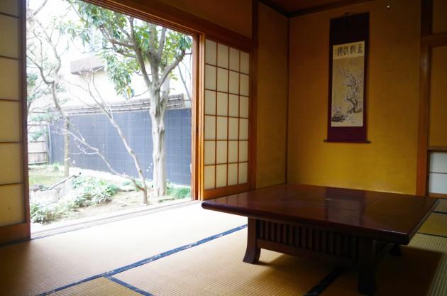 和室にはいろりもあります。